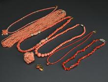 珊瑚ネックレス各種