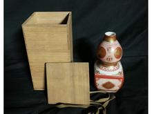 中国粉彩吉祥文花瓶