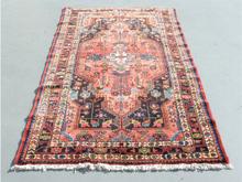 ペルシャ絨毯 トイセルカン