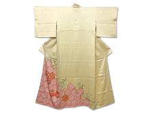 鹿子絞染草花刺繍色留袖