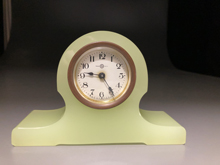 ウランガラス時計